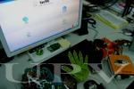 Diseñan un nuevo sistema que ayuda a comunicarse y a navegar por Internet a los sordociegos. Photo by UPV