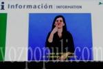 Los recortes en subvenciones para intérpretes de lengua de signos amenazan con marginar a las personas sordas. (vozpopuli.com)