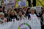 Mujeres con discapacidad y las que no hablen castellano podrán usar el servicio de móvil ATENPRO para maltratadas. (EUROPA PRESS)