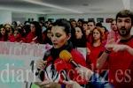 Alumnos de Lengua de Signos protestan por los recortes. (diariodecadiz.es)