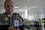 Una aplicación móvil permitirá a las personas sordas pedir ayuda a la Policía. Photo by Antonio Amoros