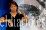 """Sara Buera, intérprete de signos: """"Muchas veces se dirigen a mí porque soy la oyente"""". (eldiario.es)"""