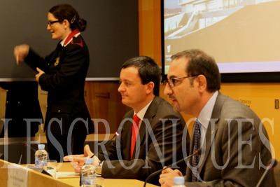 Telefónica Catalunya y FESOCA se permiten al colectivo sordo que se comunica con el teléfono 112 en caso de emergencia. Photo by Pedro Arias Redo