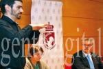 Un intérprete guiará a las personas sordas en trámites administrativos. (gentedigital.es)