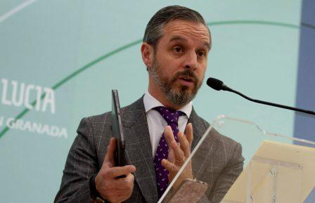 La Junta de Andalucía anuncia la movilización de 1.000 millones para paliar efectos de la crisis en economía. (Antonio L. Juárez)
