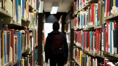 library-922998_640_StockSnap_Pixabay