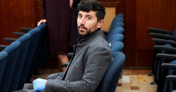 Alberto Torres, nuevo concejal de Santander, se convierte en el primer cargo público sordo de España. (eldiariocantabria.es)
