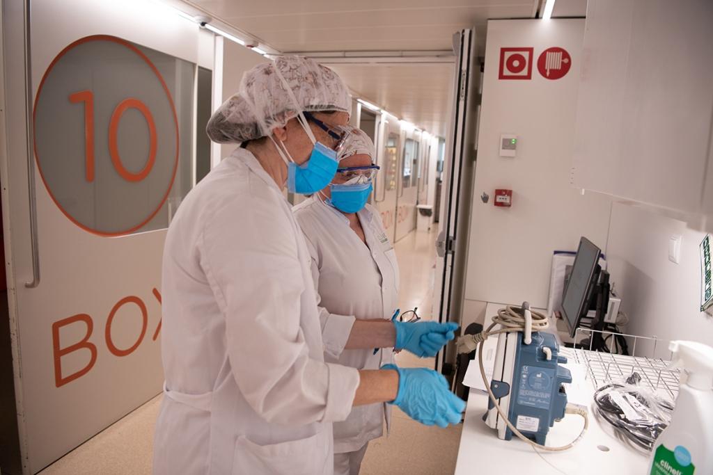 Només un 11,2% del personal sanitari de l'Hospital Clínic ha estat infectat pel coronavirus. (Social.cat / AMIC)