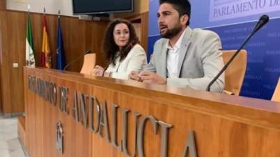 """Adelante pide """"facilitar"""" la atención médica a personas sordas ante el uso obligatorio de mascarillas. (europapress.es)"""