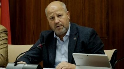 """Javier Imbroda defiende que el profesorado """"está atendiendo las necesidades"""" de alumnos sordos en clases 'on line'. (eldiario.es)"""