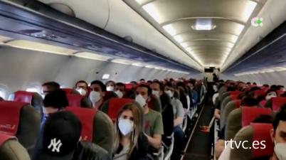 Bruselas propone abrir el turismo entre zonas seguras de la UE y reducir el pasaje de los aviones. (20minutos.es)
