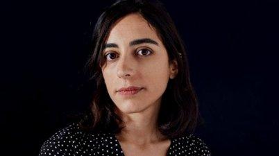 """Claudia Durastanti: """"Mi abuelo le compraba 'walkmans' a mi madre sorda"""". (elperiodico.com)"""