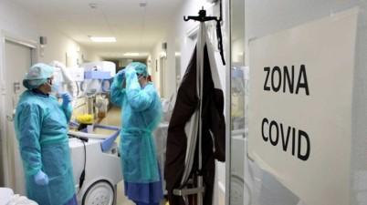 """Metges, infermeres i gestors reclamen un """"gran pacte"""" per reformar """"amb urgència"""" el sistema sanitari. (Social.cat / AMIC)"""
