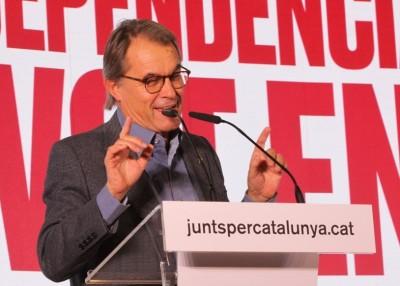 """Artur Mas: """"Un dic de contenció que permeti tancar les portes quan l'Estat vulgui tornar a trepitjar els drets i llibertats"""". (Pedro Arias Redo / lescroniques.com)"""