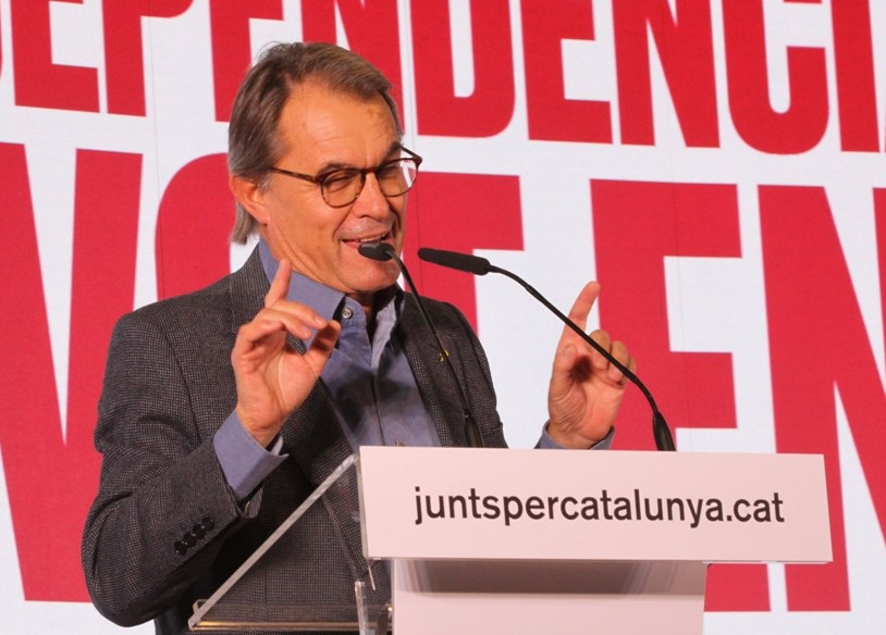 "Artur Mas: ""Trepitja els drets i llibertats dels catalans"". (Pedro Arias Redo / lescroniques.com)"