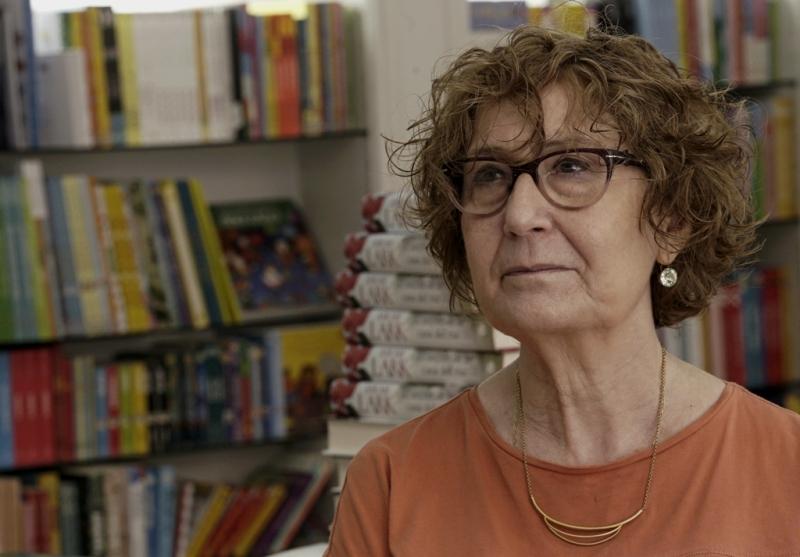 """Maria Carme Ferrer: """"El confinament ha fet que el lector se senti amb la necessitat de donar suport a la seva llibreria de barri aquest Sant Jordi"""". (Clack – AMIC)"""