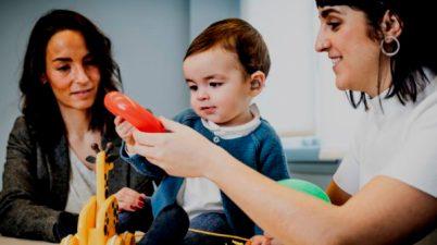 Las familias con hijos sordos reclaman una educación inclusiva bilingüe en lengua de signos. (que.es)