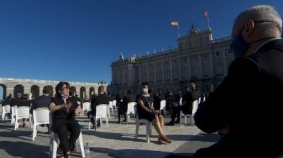 Es falso que miembros de Podemos se dieran la vuelta en la ceremonia de Estado. (newtral.es)