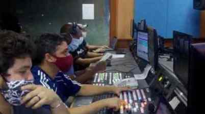 La televisión cubana informa, sin pausas, a la comunidad sorda. (tvcubana.icrt.cu)