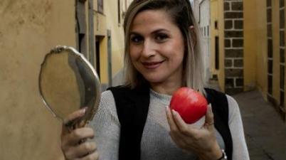 """Amy Monzón: """"La lengua de signos debe estar al mismo nivel que la lengua oral en el colegio"""". (laprovincia.es)"""