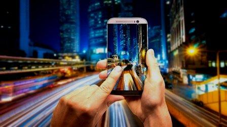 smartphone-5231499_640_Syaibatul Hamdi_Pixabay