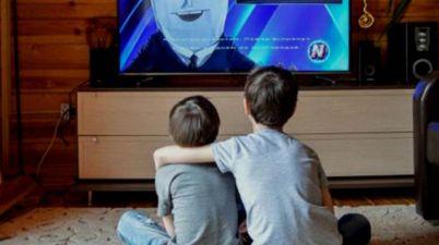 Denuncian una bajada de horas de televisión audiodescritas y con lengua de signos. (tododisca.com)
