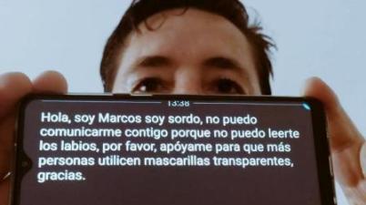 Un joven con sordera reclama al ministro Illa homologar unas mascarillas transparentes que permitan leer los labios. (servimedia.es)
