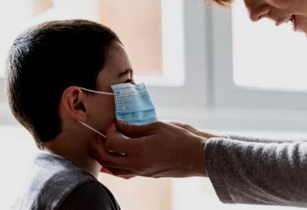 Las mascarillas se convierten en el gran enemigo para el aprendizaje del alumnado con discapacidad auditiva. (salamanca24horas.com)