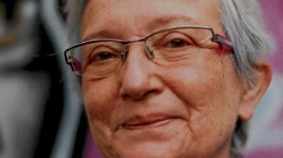 El calvario de una profesora sorda para leer los labios de sus alumnos: «Todo cambió con las mascarillas». (abc.es)