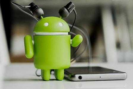 Android ahora avisa de ruidos a personas con problemas de audición. (Lucía Loyarte / comunicacionmarketing.es)