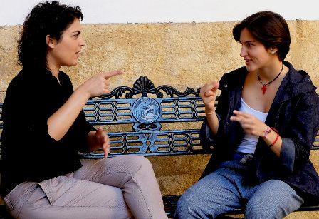 50 intérpretes de apoyo en lenguaje de signos para alumnos de secundaria, bachillerato y F.P. en Madrid. (cronicanorte.es)