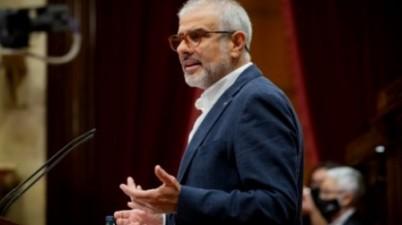 Ciudadanos pide suprimir las multas por no rotular en catalán. (larazon.es)
