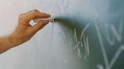 Fasican denuncia la discriminación de los alumnos sordos por la falta de intérpretes de lengua de signos. (mirametv.com)
