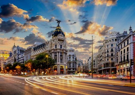 Madrid avança, Barcelona mira el retrovisor. (AMIC)
