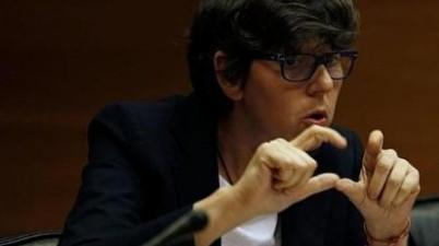 Podemos elige como portavoz parlamentaria en València a Pilar Lima, que se expresa con lengua de signos. (publico.es)